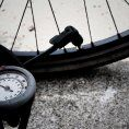 Pompki rowerowe – niezbędnik każdego rowerzysty