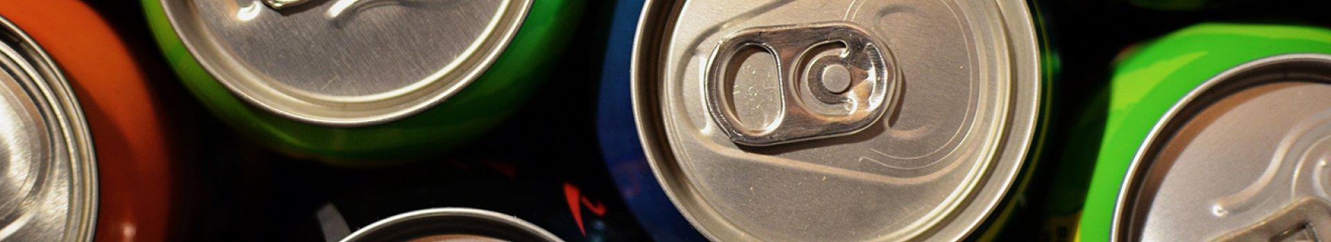 Napoje izotoniczne czy energetyczne? Co warto zabrać na rower?