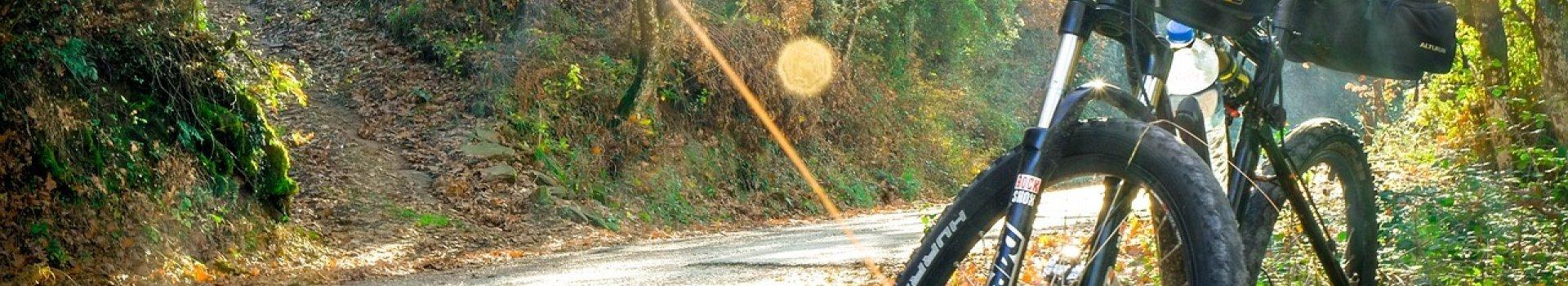 Jesień i zima na rowerze – jak się ubrać?