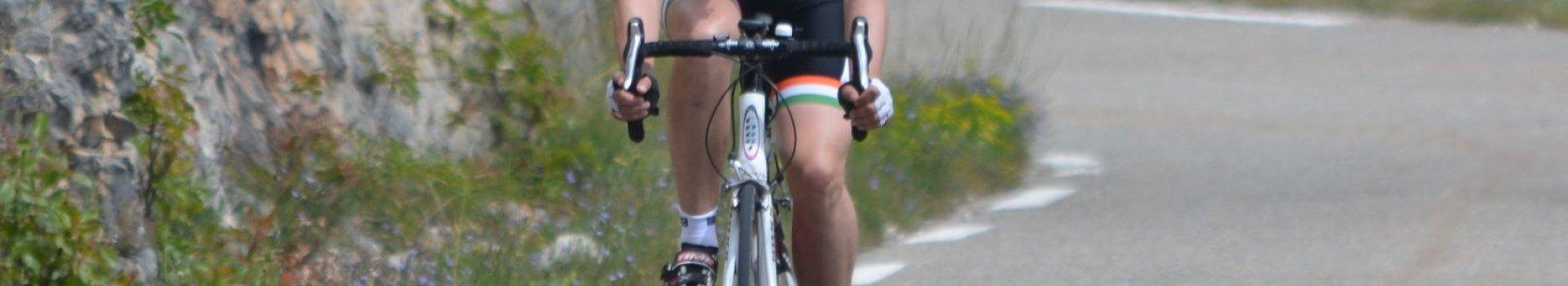 Odzież rowerowa - jak skompletować niezbędne wyposażenie?