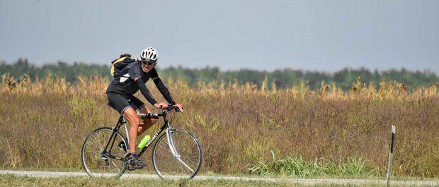 Bluzy rowerowe, które zapewnią komfort i bezpieczeństwo