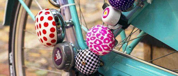Dzwonek rowerowy – niezbędnik miejskiego rowerzysty