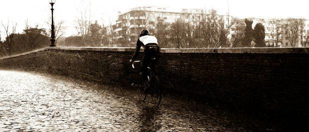 Jesienna plucha, czyli o przygotowaniach do jazdy w deszczu