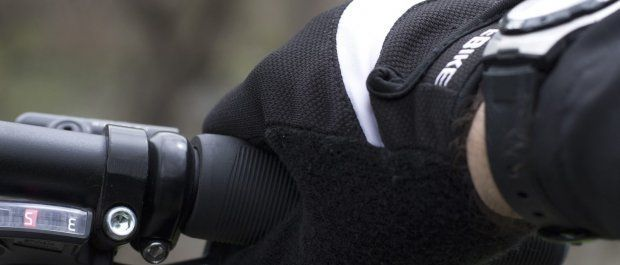 Rękawiczki na rower – zapewnij sobie niezbędny komfort jazdy