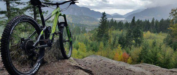 Rowery górskie, które uprzyjemnią Ci wiosenną wycieczkę