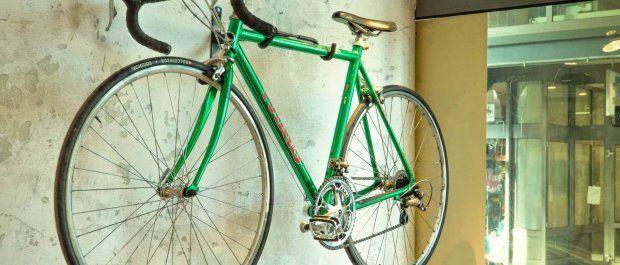 Jak przechowywać rower w mieszkaniu, by nie stracić przestrzeni?