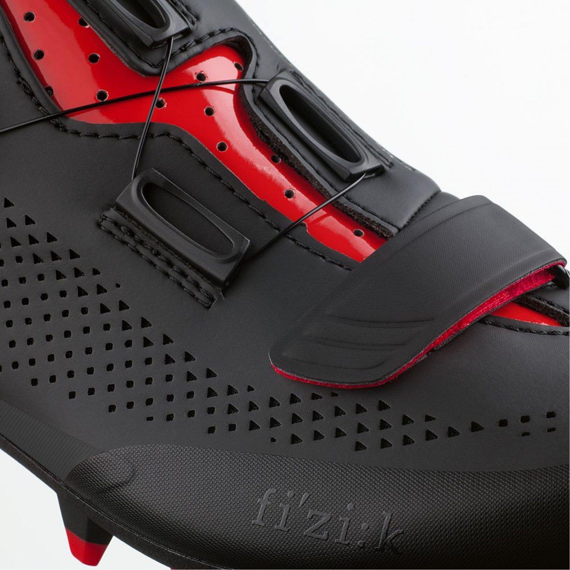BUTY ROWEROWE FIZIK TERRA X5 1030 BLACK|RED ZAPIĘCIE