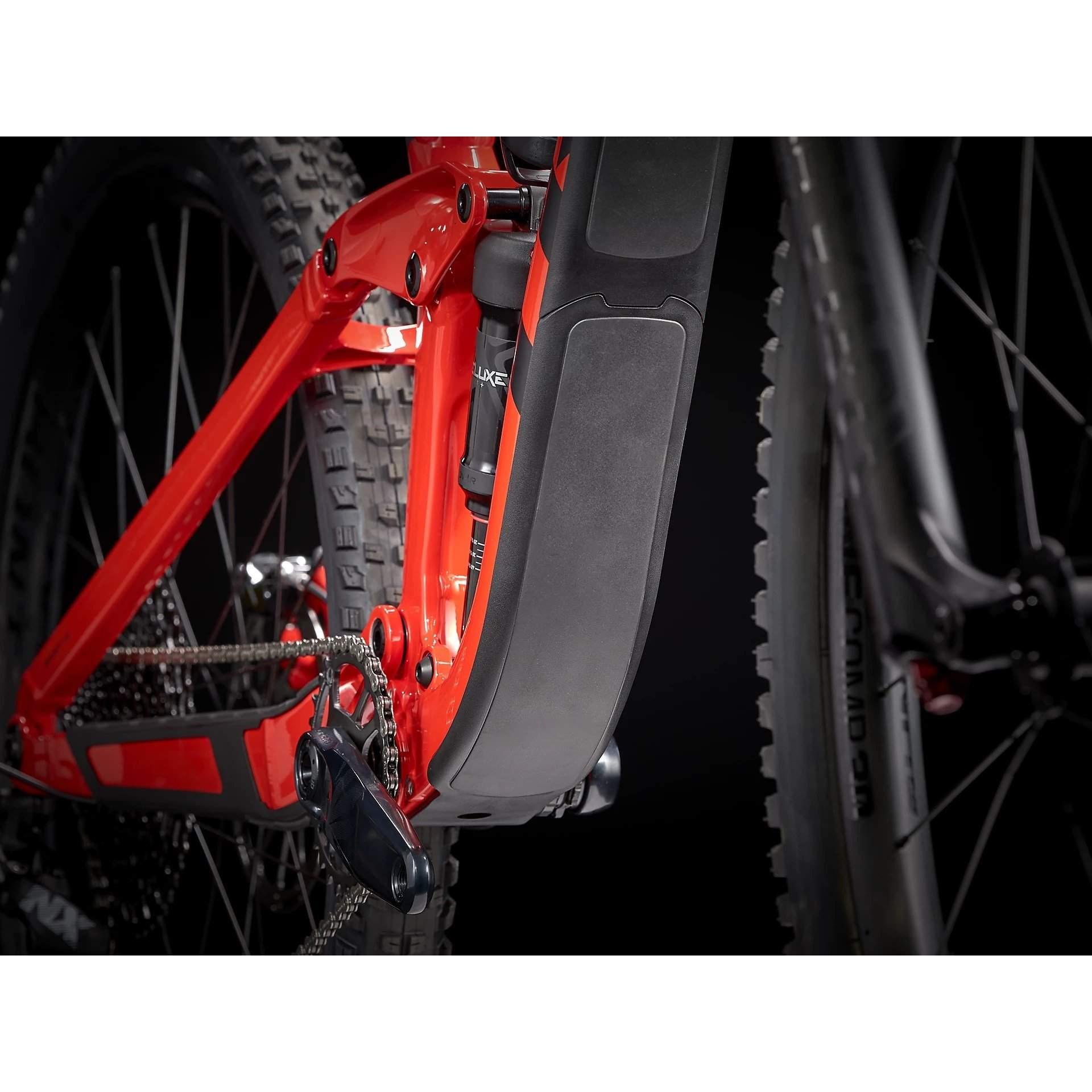 ROWER TREK SLASH 7 GLOSS RADIOACTIVE RED|MATTE BLACK 92